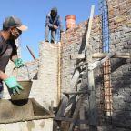La suba de los materiales de construcción no para: cuántos sueldos se necesitan para una casa de 100 m2