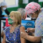 Salud definió la próxima población a vacunar: 59 a 55 años y luego 54 a 50, de acuerdo al riesgo de exposición
